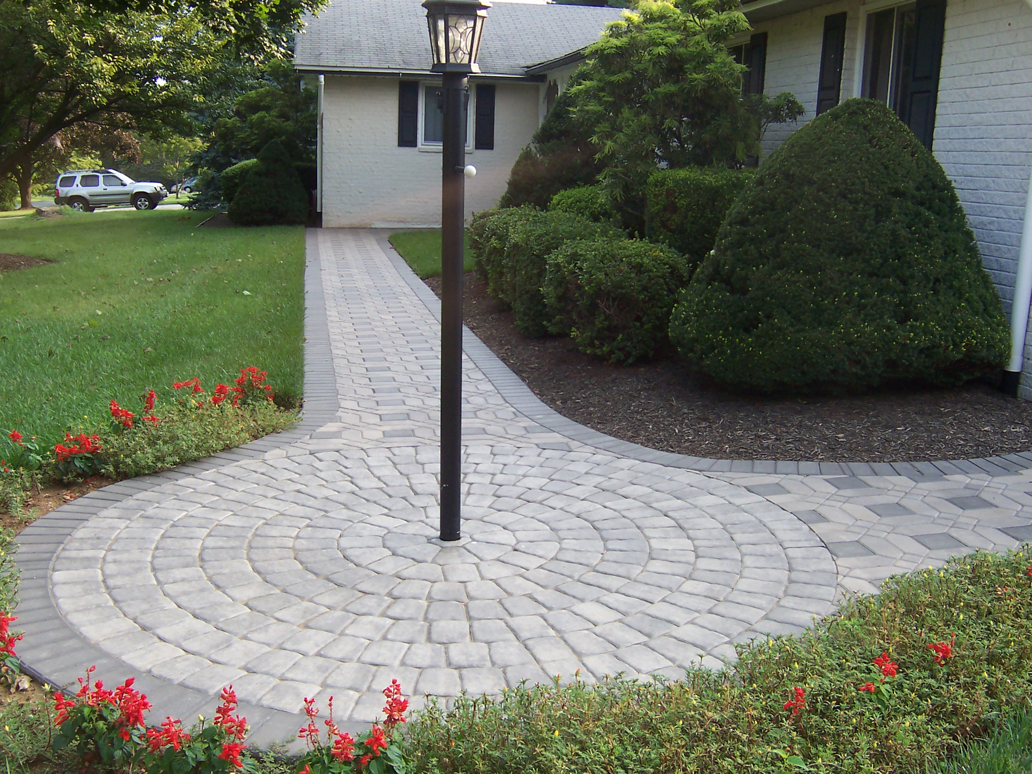 Paver sidewalk with circle