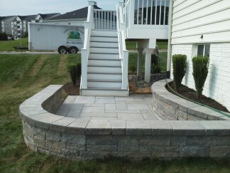 Landscaped sitting wall3